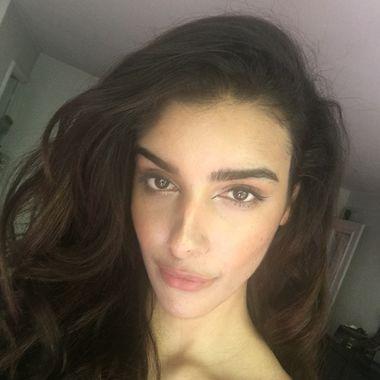 Intalnirea cu femeia musulmana convertita Gleeden Dating Site