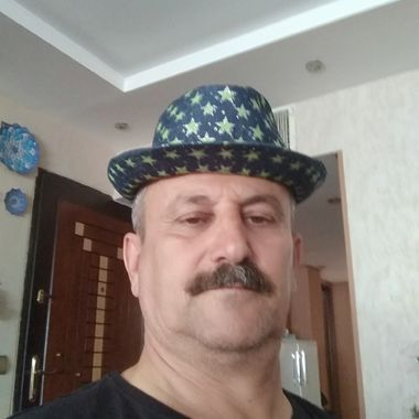 dating site older man younger woman