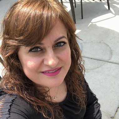 IRAQI Dating Site.)